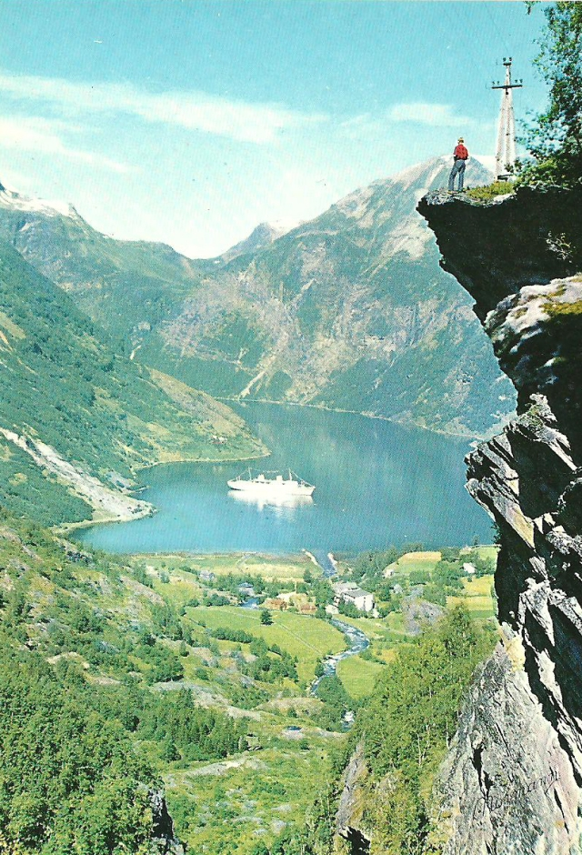 Norway Flydalsjuvet abyss, Geiranger Foto by Normann T-13-1