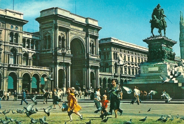 Milano Viktor Emanuel II Gallery Fotographia GIESSE unmarked