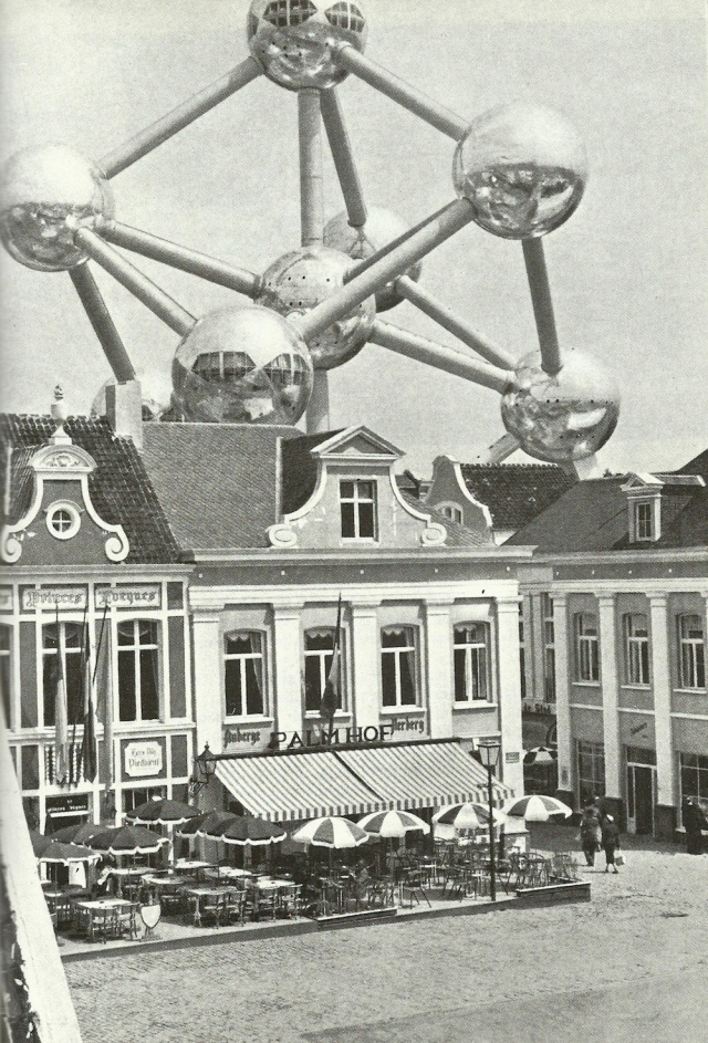 A brusszeli atomium from A Giccs by Gillo Dorfles Gondolat Budapest 1986