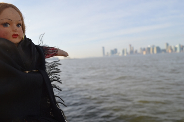 Dolly pointing the Statue of Liberty and Jersey City November 2015