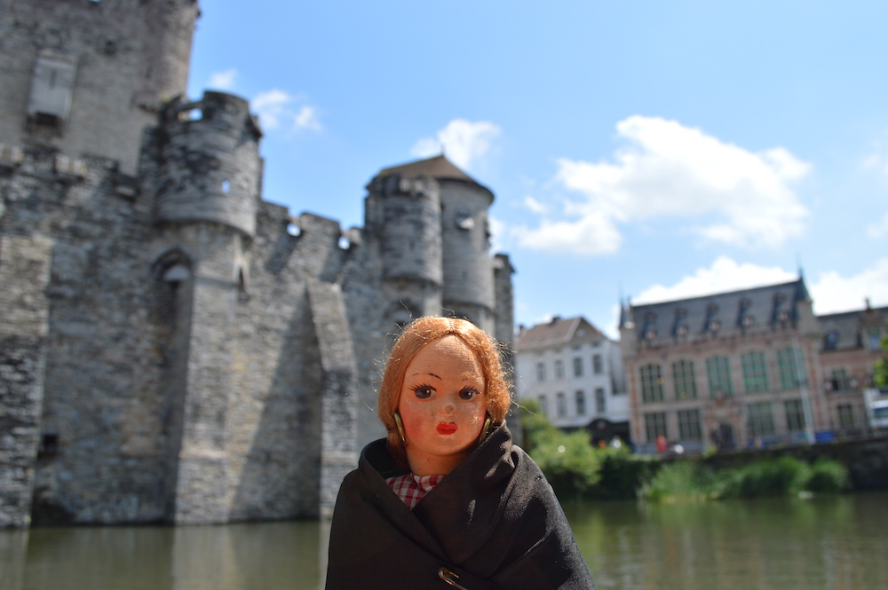 Dolly outside Gravensteen Castle of the Counts