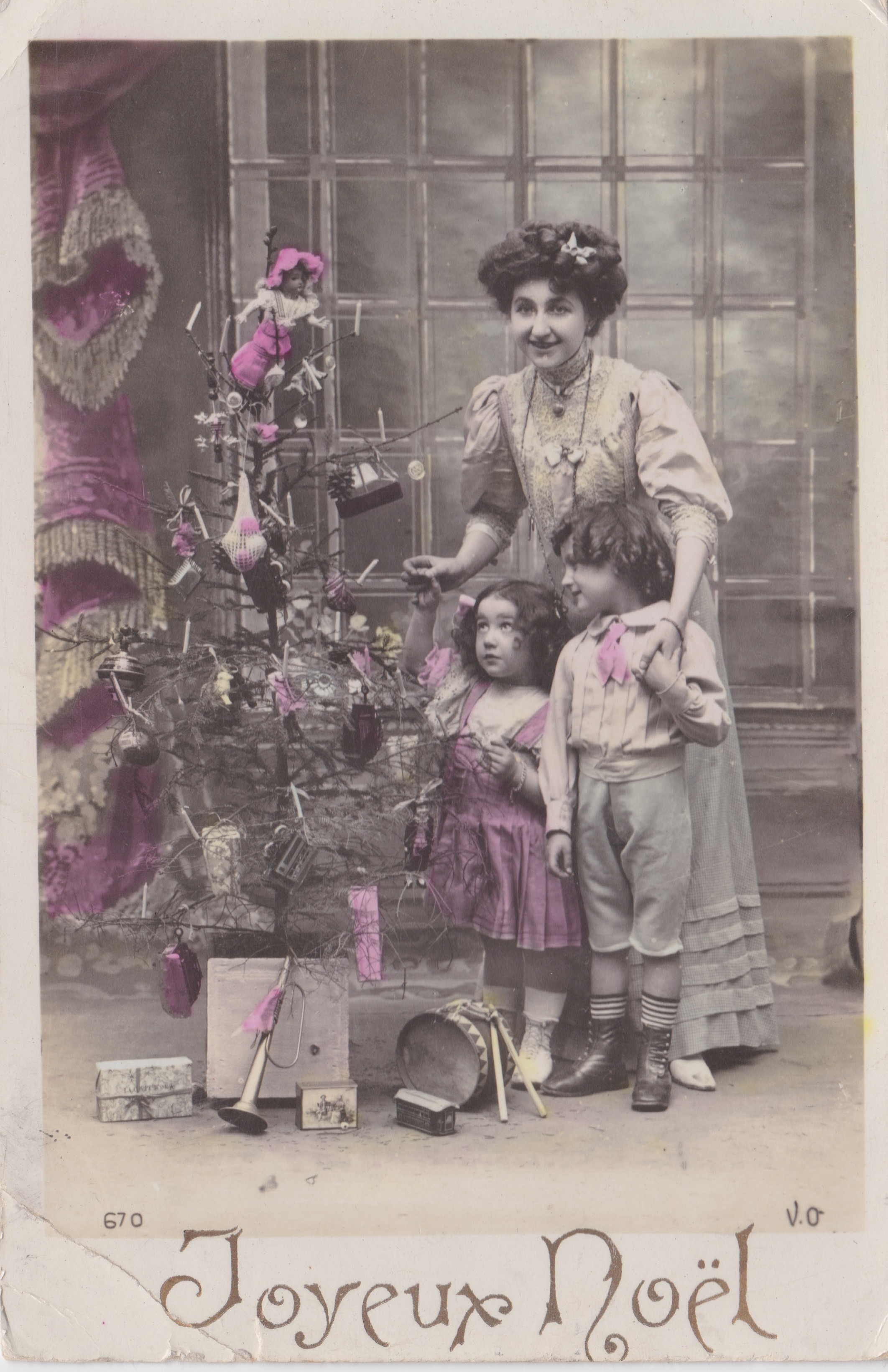 Carte Postale Dec 22 date unknown to Miss Watts Reddrum Cottage Surrey 'To Phoebe with love & good wishes'